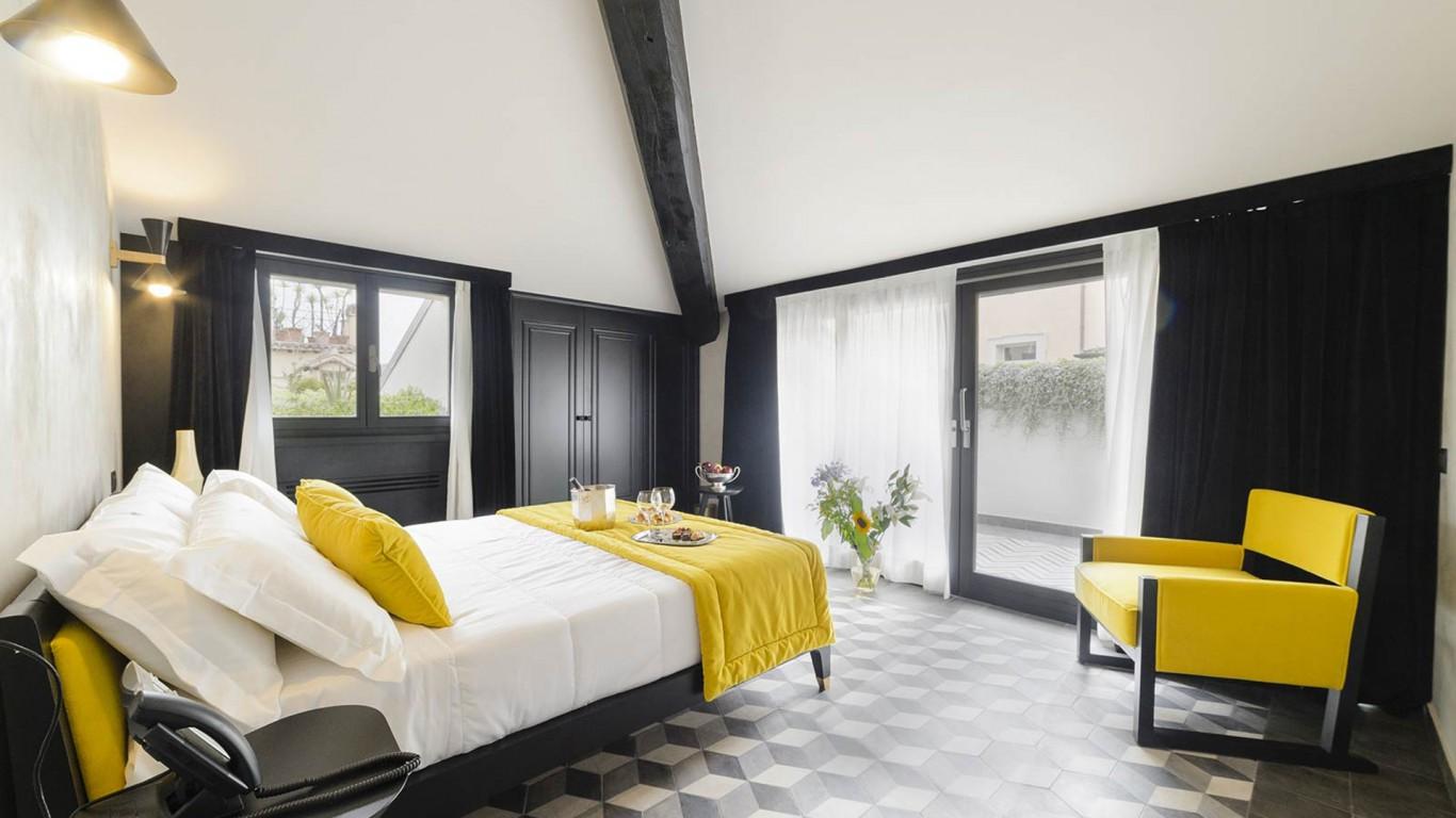 LBH-Roma-Luxus-Hotel-deluxe-loft-terrace-1.jpg