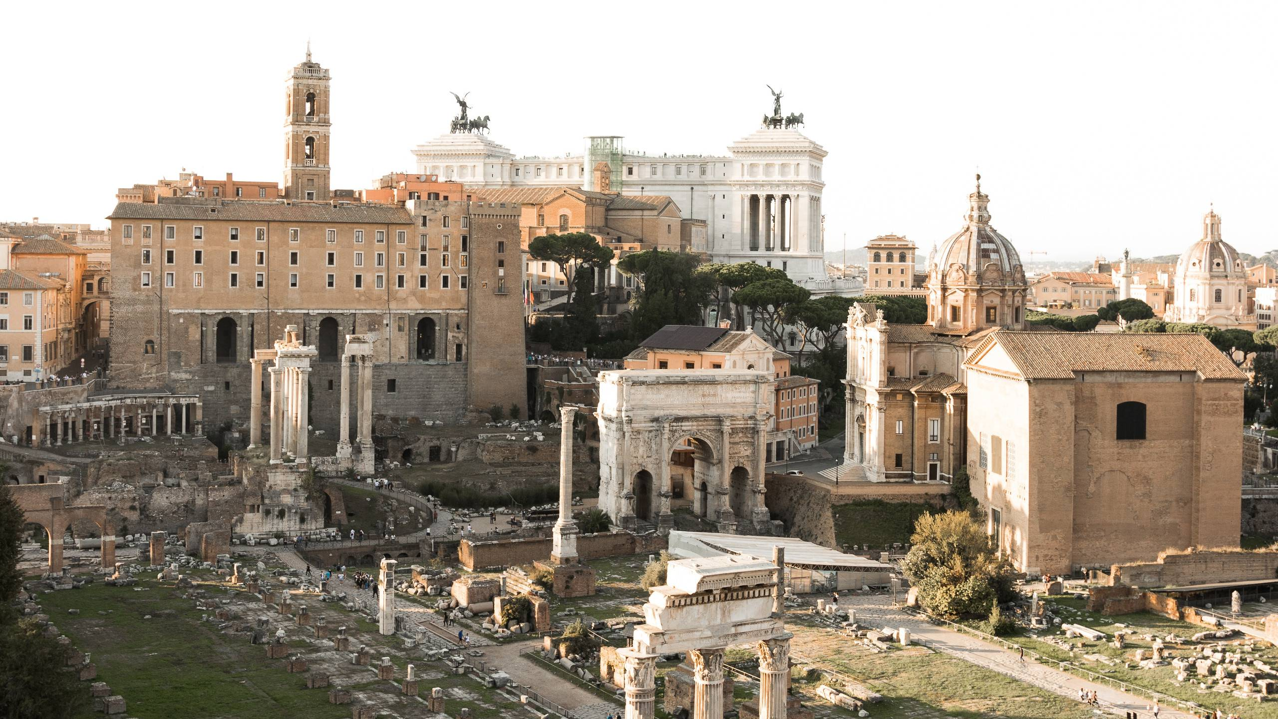LBH-Roma-Luxus-Hotel-foro-romano-1120560-unsplash