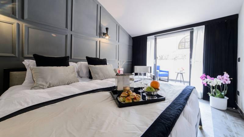 LBH-Roma-Luxus-Hotel-suite-deluxe-COPERTINA-1